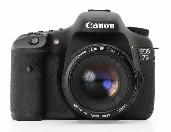 Canon_eos_7d_front_01